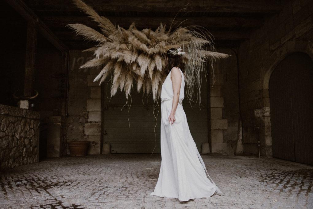 Plan d'ensemble de la robe Irene de profil