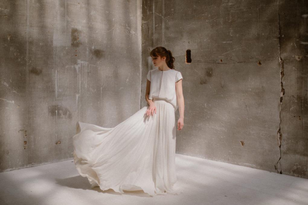 Photo de face de la robe Colette en mouvement