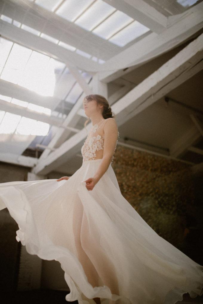 Photo en contre-plongée de la robe Laureline