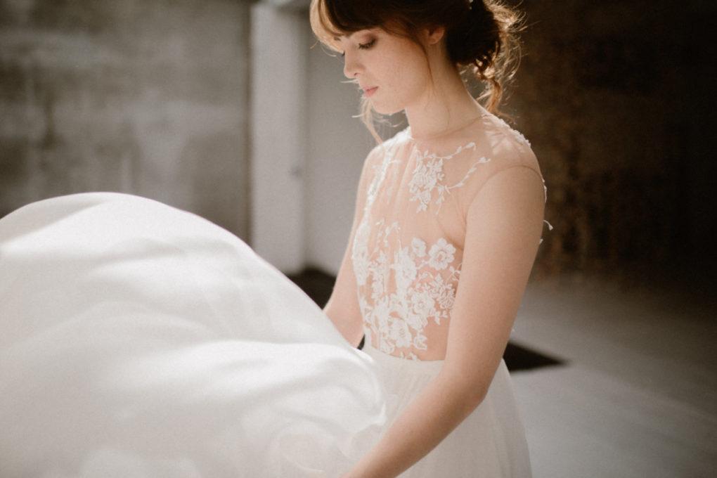 Plan serré du haut de la robe Laureline