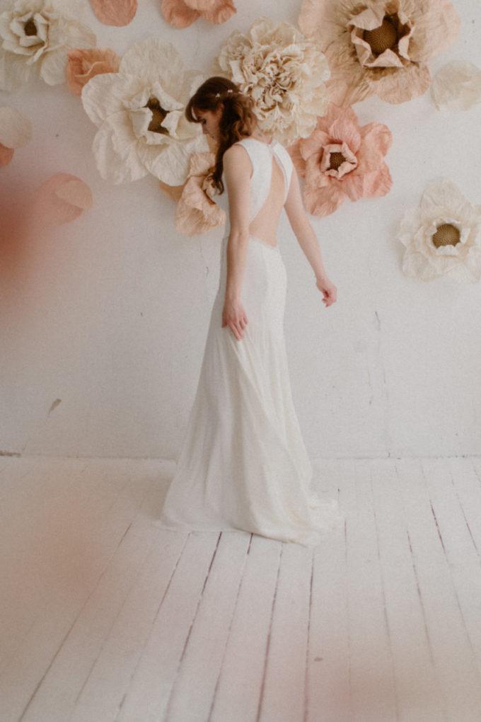 Photo de la robe Morgane de plein pied et de dos