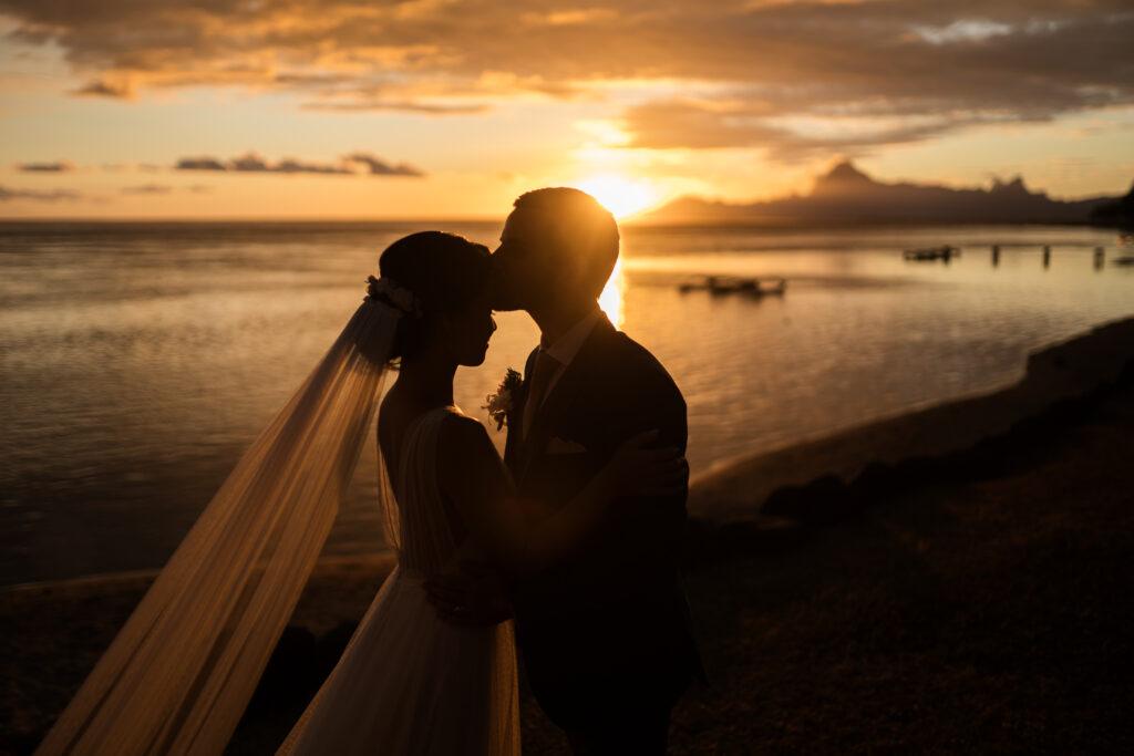 telier swan robe de mariee rose&plume sur mesure dentelle de calais mariage tahiti