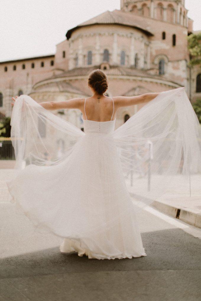 Photo de la robe Eve de plein pied et de dos